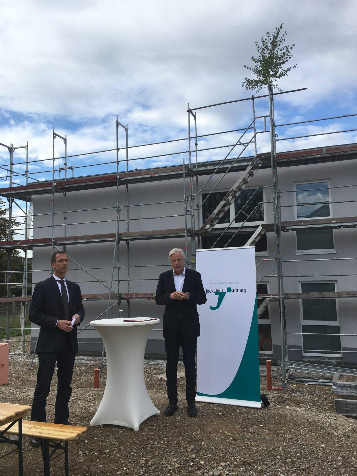 Die Jackstädt-Stiftung investiert in die Zukunft - Richtfest für eine neue Kita in Kerpen